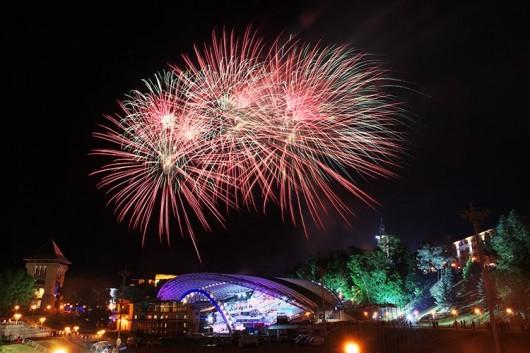 fireworks-slavonic-bazaar-vitebsk-20140710-01