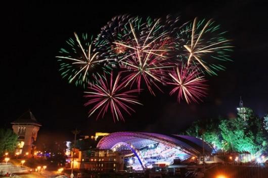 fireworks-slavonic-bazaar-vitebsk-20140710-04-600x400 (1)