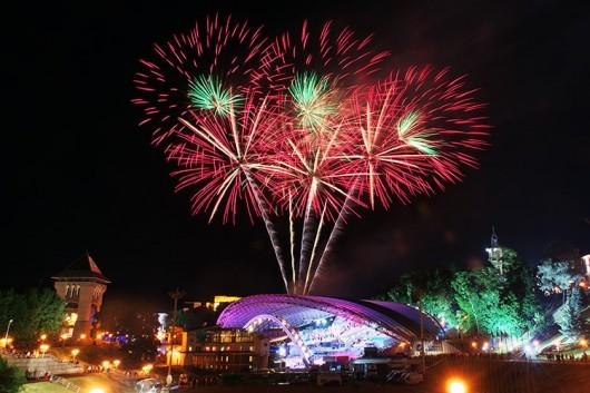 fireworks-slavonic-bazaar-vitebsk-20140710-02