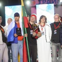 183841,04 Более 30 тыс. зарядов запустили участники фестиваля фейерверков Навальнiца-2009